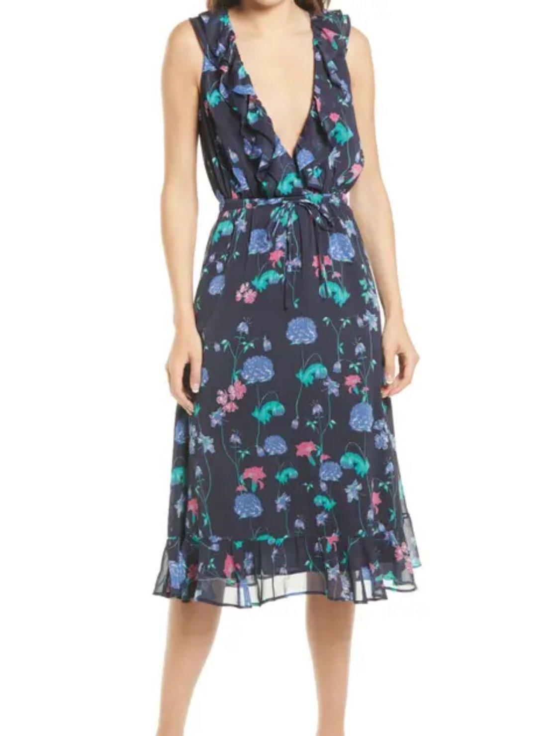 Wholesale Sleeveless-style V-neck Chiffon Dresses
