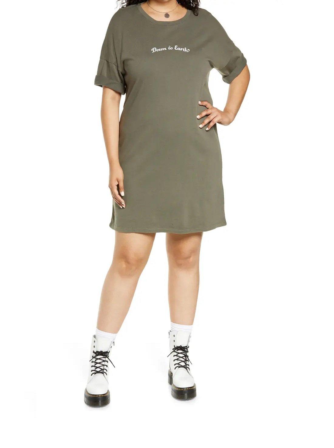 Plus Size Graphic T-Shirt Dress